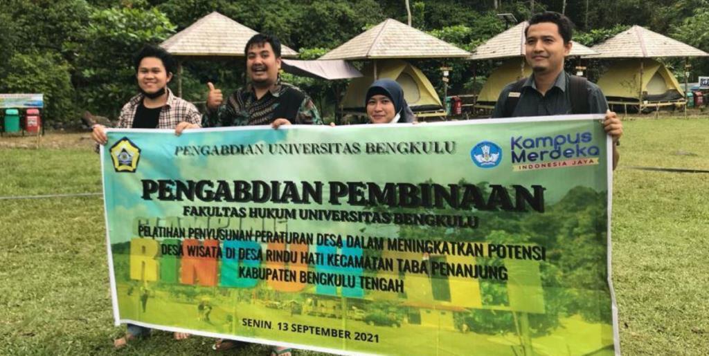 Tiga Dosen Muda Latih Perangkat Desa Rindu Hati Dukung Wisata Unggulan